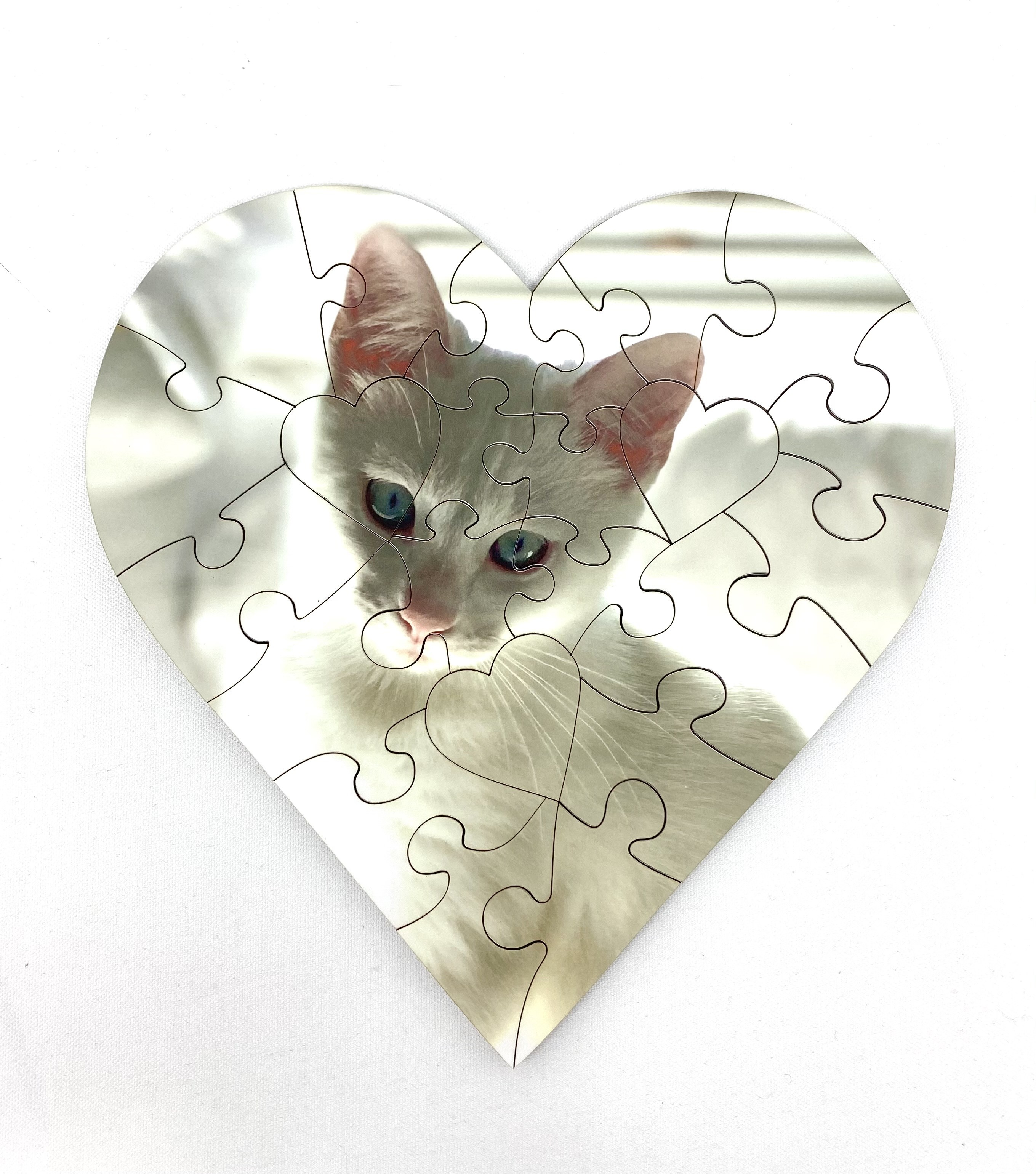 """Heart Shaped 23 Piece Puzzle 7"""""""